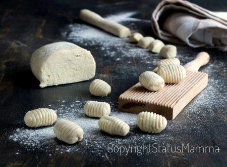 Gnocchi di ricotta ricetta base facile con e senza bimby