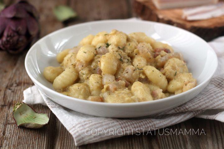 gnocchi RICETTE CON LE VERDURE DI MAGGIO - Gnocchi con crema di carciofi e pancetta croccante