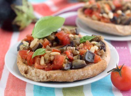 Ricetta friselle alla siciliana con pomodorini e melanzane
