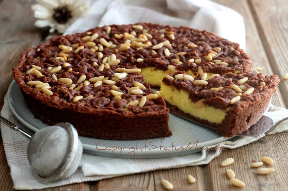 Crostata della nonna o torta della nonna con frolla al cacao