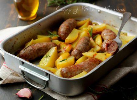Patate e salsiccia al forno come quelle della Nonna con trucco