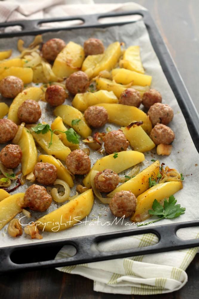 Un secondo facile e succulento che concilia tutti a tavola le Polpette al forno dal risultato morbido con patate
