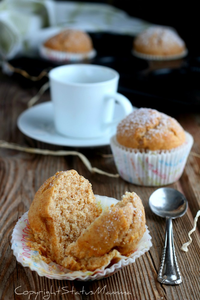soffici e golosi i muffin con farina integrale e zucchero di canna perfetti e leggeri per una colazione sana e sfiziosa.