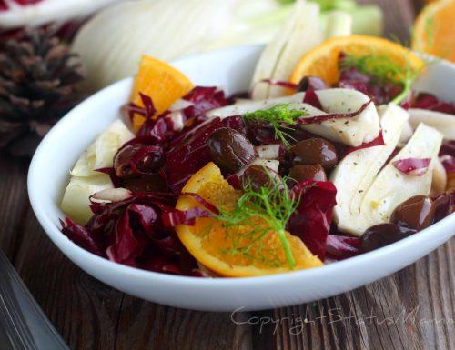 INSALATA AI FINOCCHI ARANCE E RADICCHIO alle olive