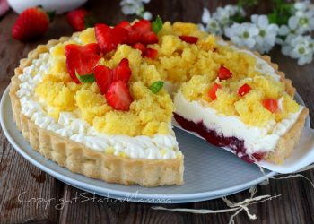 ricette con la frutta cosa cucinare a marzo CROSTATA TORTA DELIZIA MIMOSA ALLE FRAGOLE