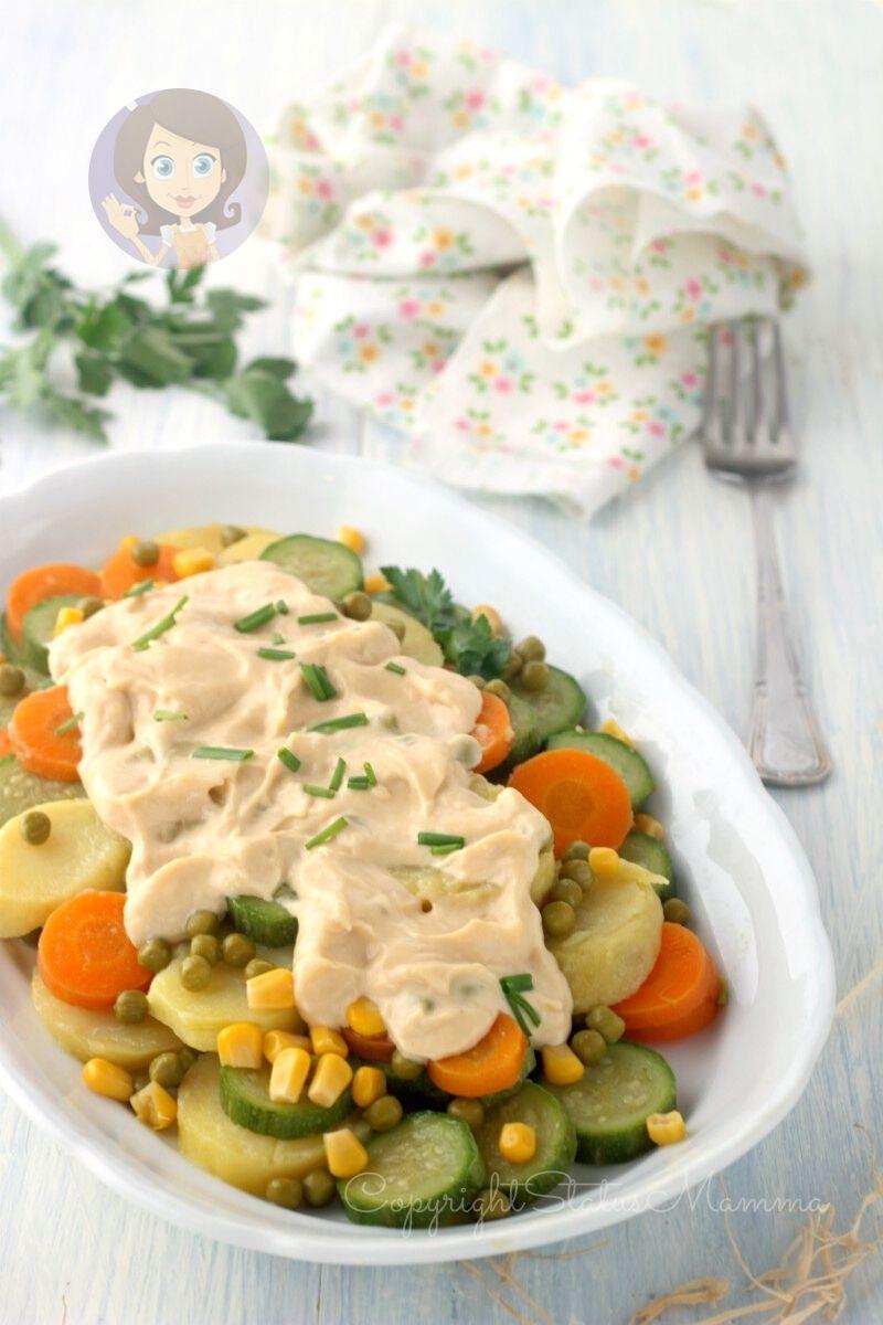 INSALATA DI VERDURE TONNATE, patate tonnate, insalata patate, antipasti di verdure, verdure insalata, insalata con salsa tonnata, contorno di base di verdure, insalata con tonno, insalata russa