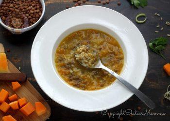 ricette con i legumi MINESTRA DI RISO INTEGRALE ZUCCA E LENTICCHIE