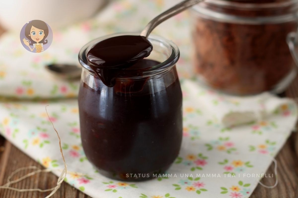 SALSA AL CIOCCOLATO per dolci e gelati