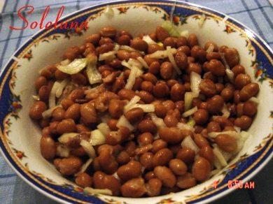 Fagioli borlotti con acciughe al profumo di cipolla