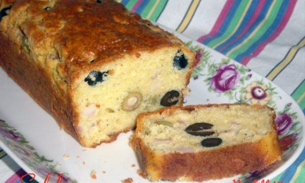 Cake ai due tipi di olive