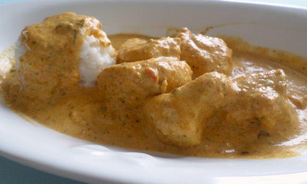 Riso con bocconcini di pollo al curry