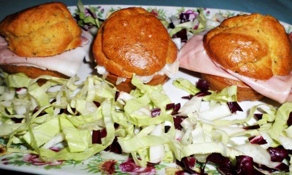 Muffin al pecorino e erbe aromatiche