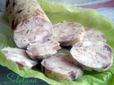 Galantina di pollo aromatizzata al basilico