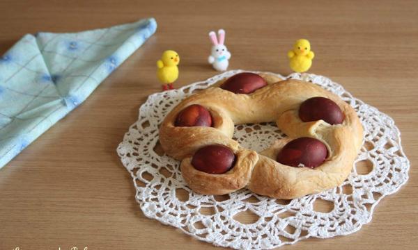 Pane pasquale con le uova croato