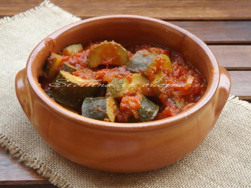 Zucchine stufate con pomodoro-Ricetta light
