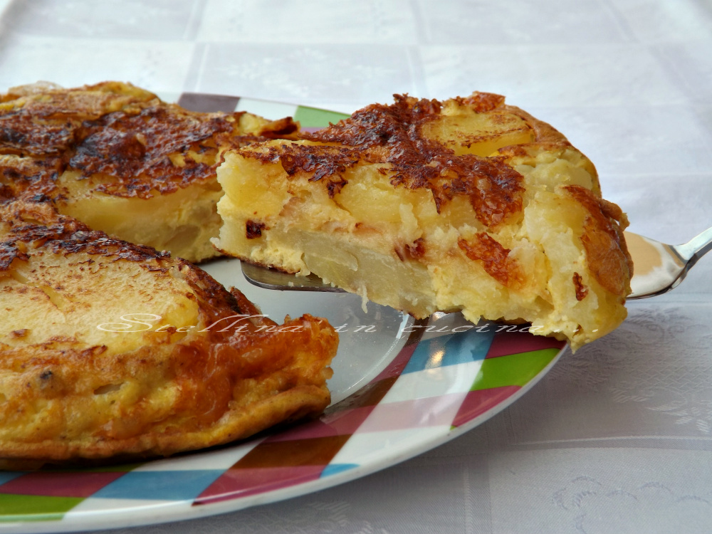 Tortino di patate uova e formaggio cottura in padella for Cucinare 2 uova