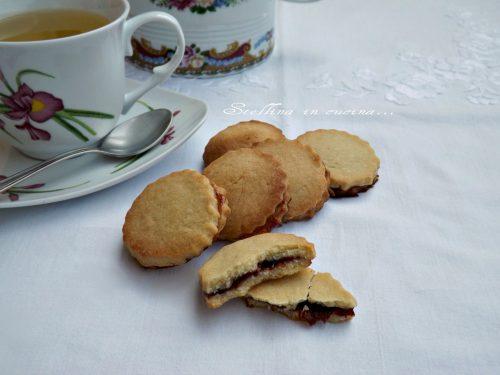 Biscotti alla marmellata senza burro