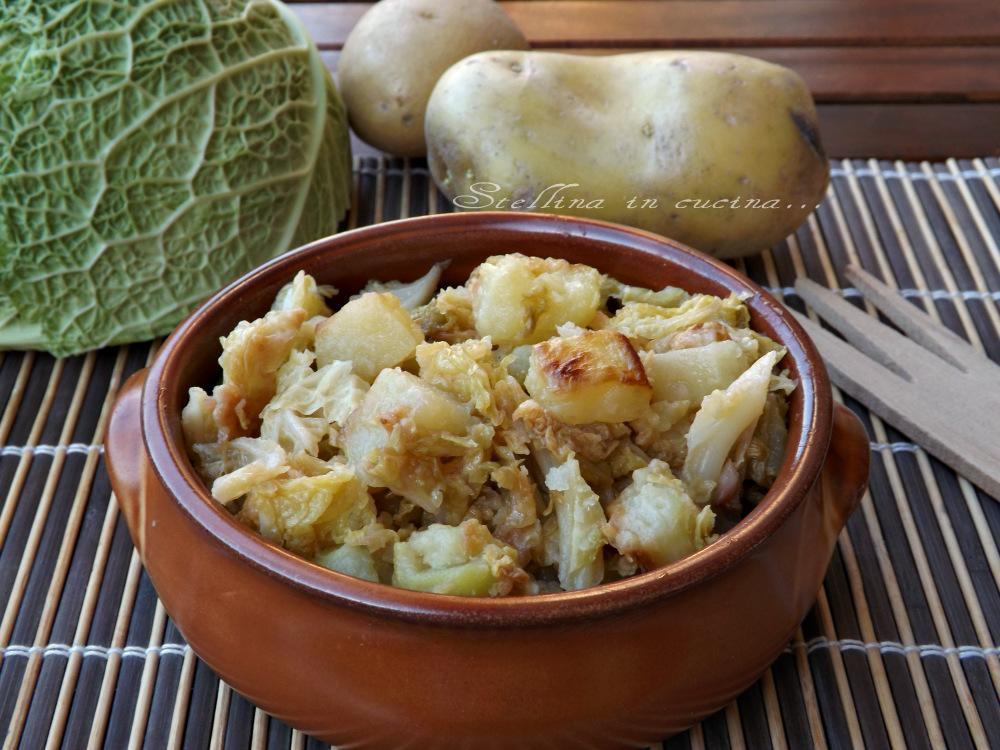 Ricetta Verza E Patate.Verza E Patate In Padella Ricetta Semplice E Rustica