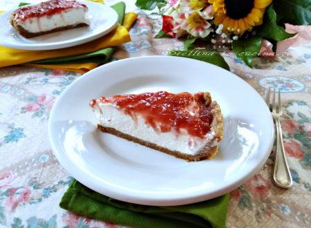Cheesecake con confettura di fragole senza colla di pesce
