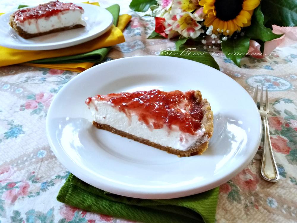 Cheesecake con confettura di fragole