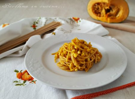 Spaghetti integrali con crema di zucca e tofu