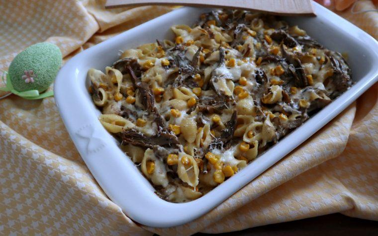 Pasta la forno con carciofi e mais