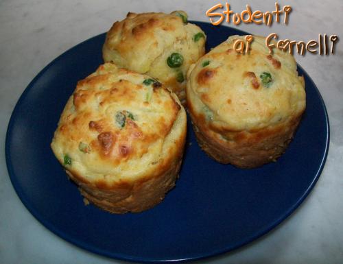 Muffin piselli, patate e formaggio