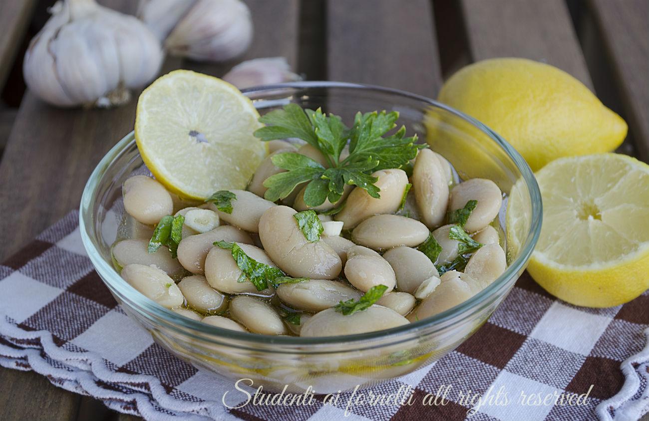 fagioli bianchi di spagna all'insalata con prezzemolo e limone contorno senza cottura