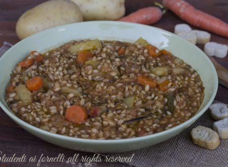 Zuppa di lenticchie con farro e orzo