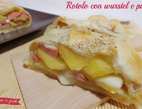 Rotolo di sfoglia con wurstel e patate | Ricetta funny