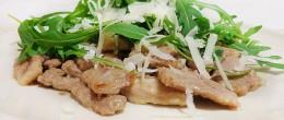 Straccetti di carne con rucola e grana