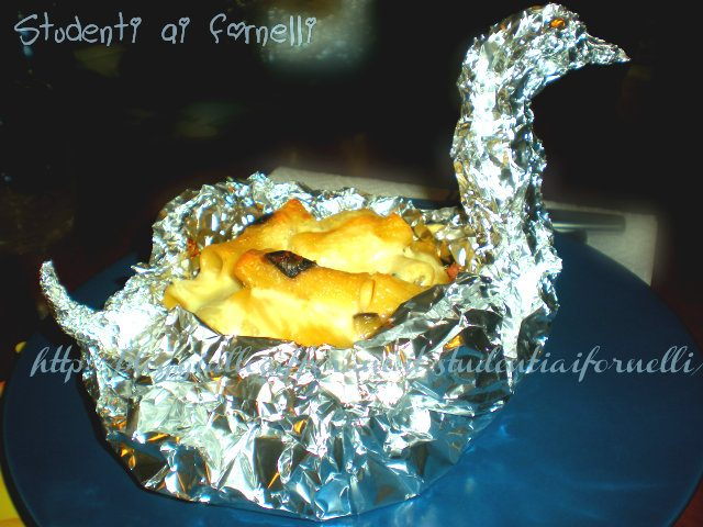 Cigni ripieni di maccheroni con melanzane e prosciutto   Ricetta originale e gustosa