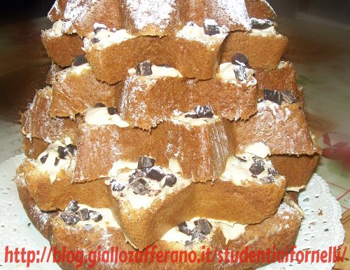 Pandoro con crema al mascarpone e cioccolato fondente | Ricetta dolce Natale