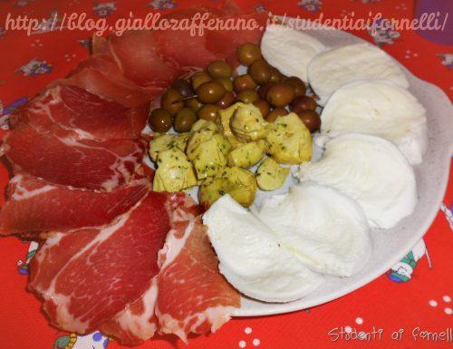 Antipasto all'italiana | Antipasto sfizioso con affettati