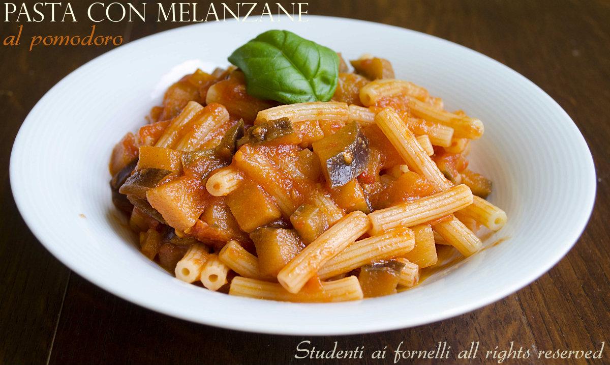 pasta con melanzane al pomodoro ricetta primo gustoso