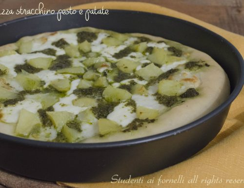 Pizza soffice stracchino patate e pesto