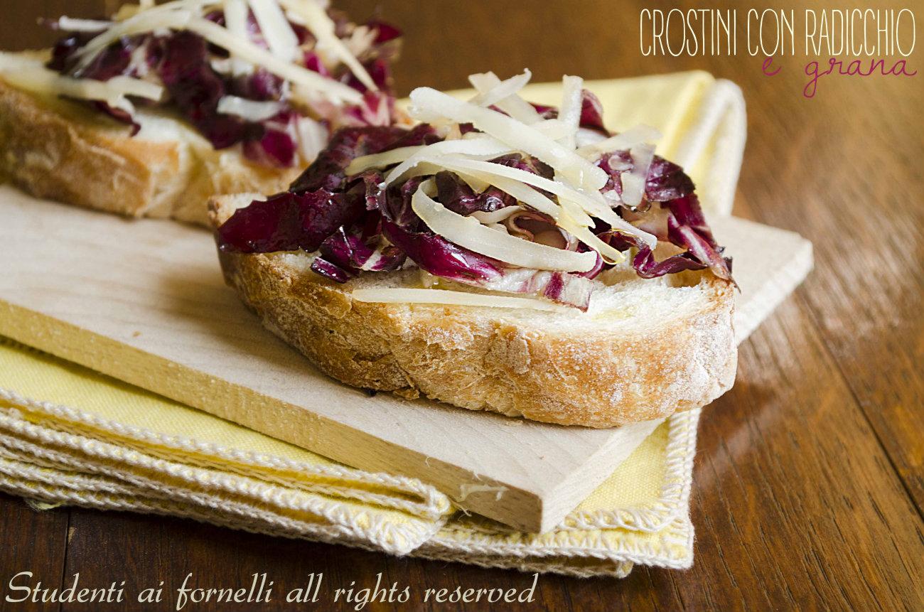 crostini con radicchio e grana ricetta antipasto sfizioso veloce