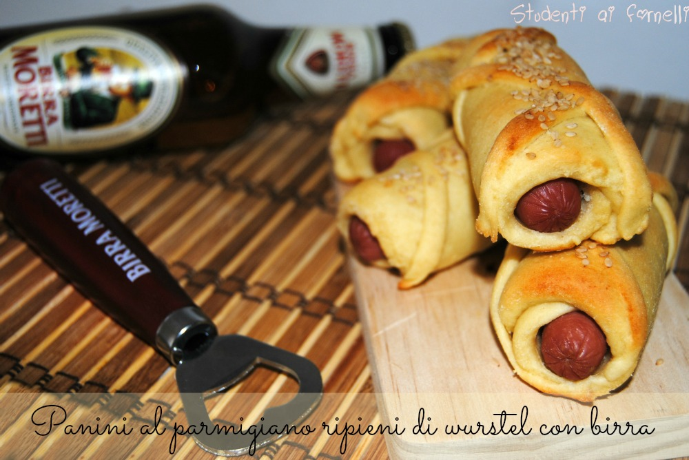 panini al parmigiano ripieni di wurstel ricetta finger food