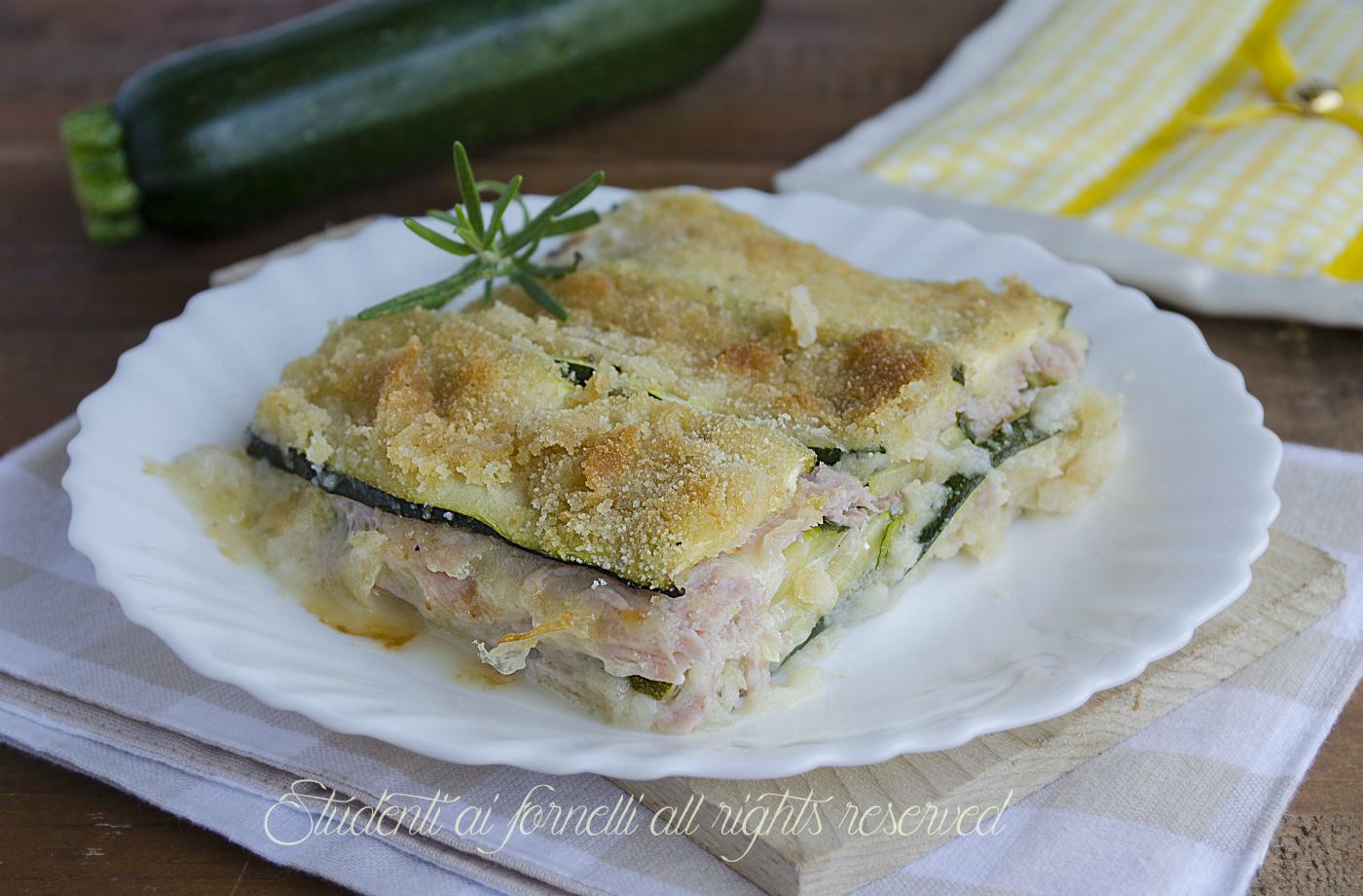 parmigiana light di zucchine con prosciutto e mozzarella o provola al forno ricetta parmigiana bianca senza sugo
