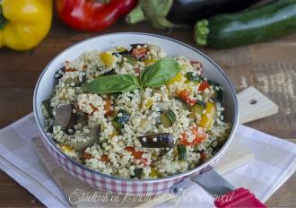 cous cous alle verdure con zucchine melanzane peperoni ricetta primo sfizioso freddo