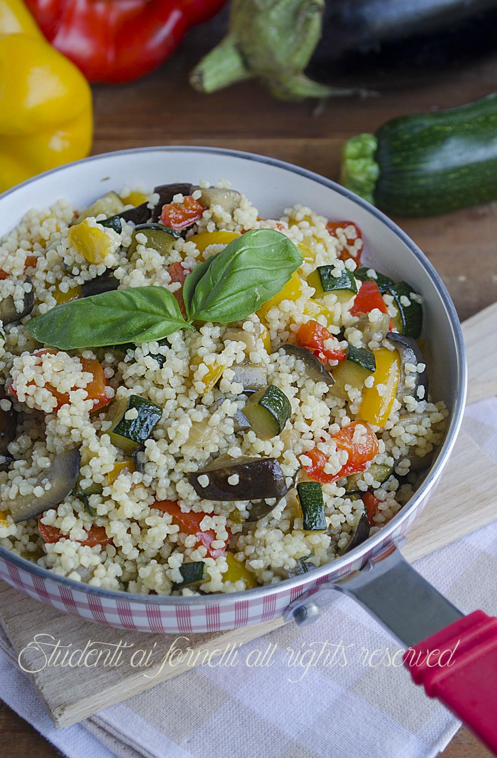 Cous cous alle verdure con zucchine peperoni e melanzane