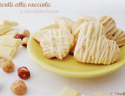 Biscotti alle nocciole e cioccolato bianco