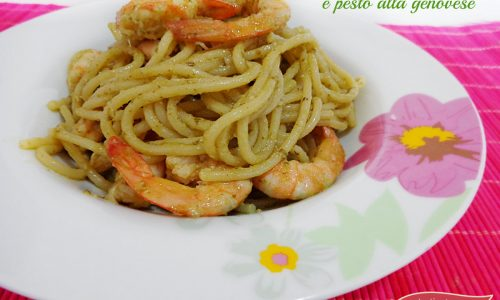 Spaghetti con gamberi e pesto alla genovese