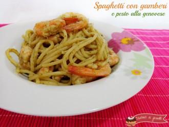 Primi di pesce Vigilia di Natale facili e gustosi Spaghetti con gamberi e pesto alla genovese ricetta pasta primo piatto