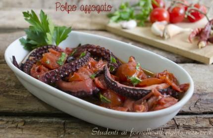 Cenone di Capodanno ricette facili a base di pesce polpo affogato ricetta polpo al pomodoro con sugo ricetta antipasto pesce