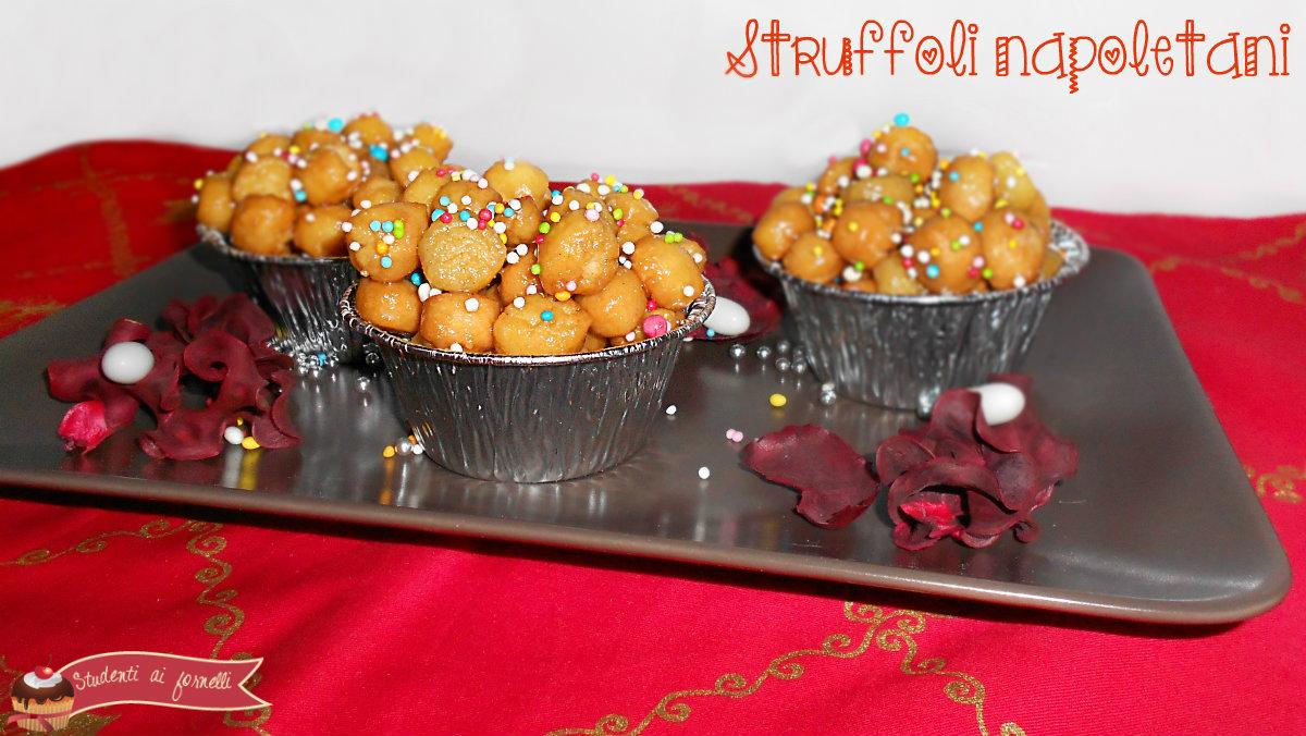 ricetta tradizionale struffoli napoletani dolce natalizio
