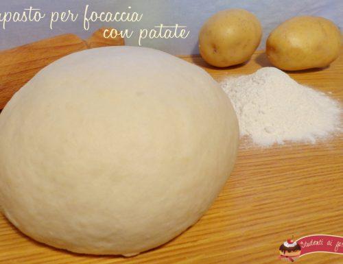 Impasto focaccia con patate soffice