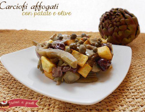 Carciofi affogati con patate e olive