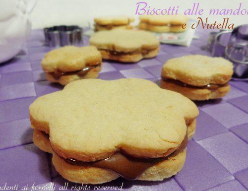 Biscotti alle mandorle con nutella