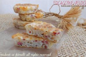 Focaccine veloci salame e formaggio